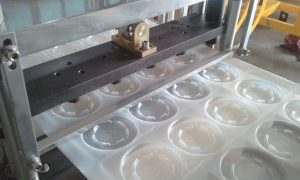 cup-plastic-lid-machines